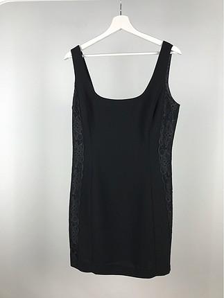 Dantel Detaylı Askılı Elbise