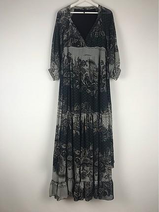 Desenli Uzun V Yaka Elbise