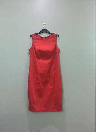 Random kırmızı elbise