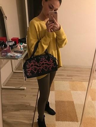 Siyah taş boncuk dikimli el çantası