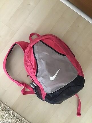 Nike okul sırt çantası