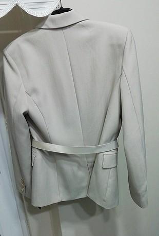40 Beden gri Renk Bej yazlık bayan ceketi