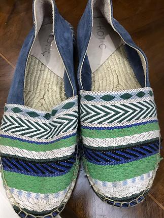 Hotiç hasır temiz ayakkabı