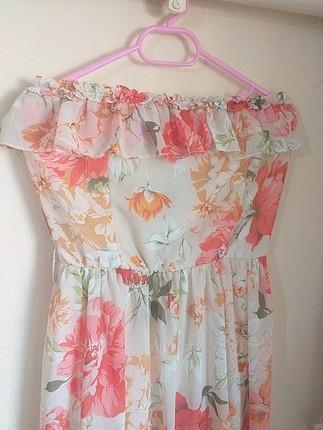 uzun fırfırlı elbise