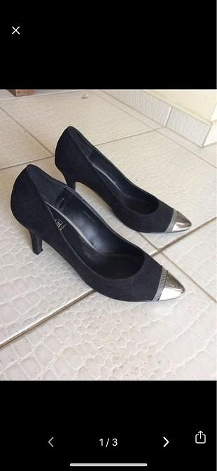 Siyah stiletto topuklu