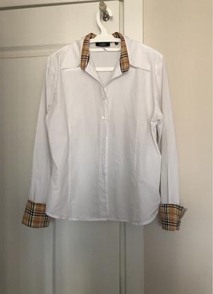 Zara Beyaz uzun kollu gömlek
