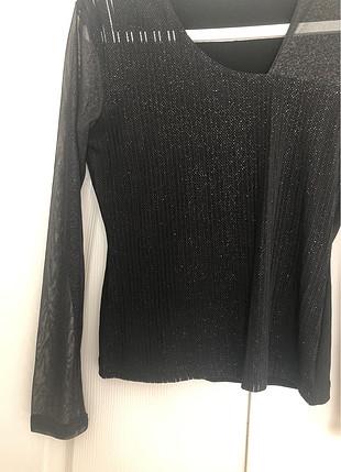 m Beden Siyah simli kolları tül bluz