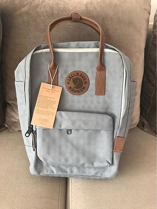 Gri sırt çantası ????