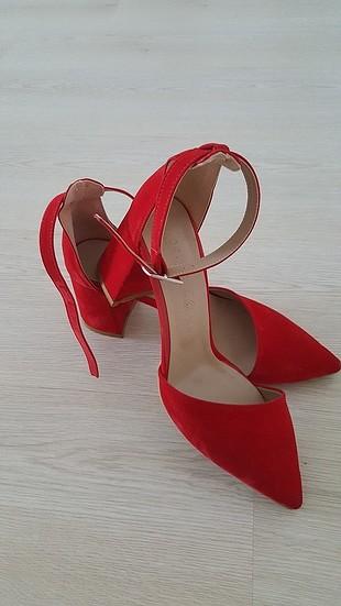 37 Beden kırmızı Renk pelinin ayakkabıları