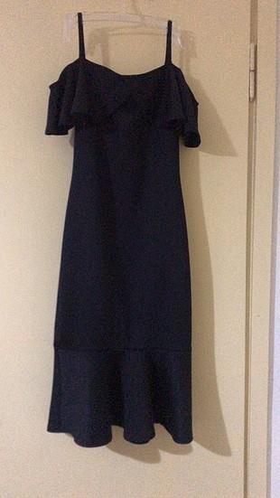 Az giyilmiş riklalı elbise