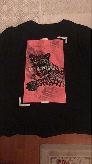 Les Benjamins tişört