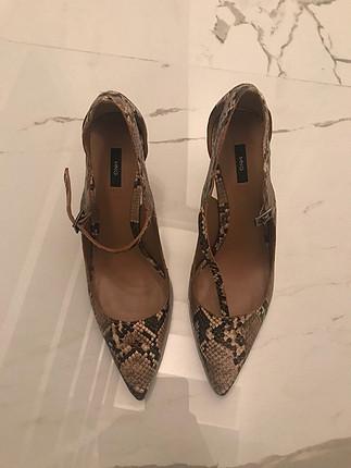 39 Beden 1-2 kere giyilmiş temiz ayakkabı