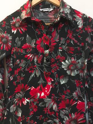 Kan kırmızı çan elbise çizmelerle süper????????