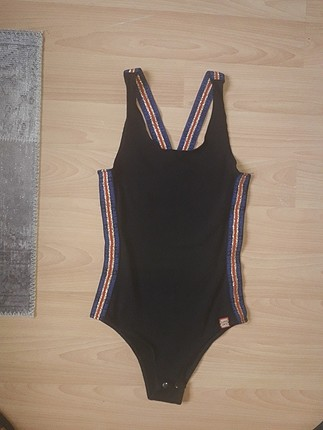siyah bodysuit