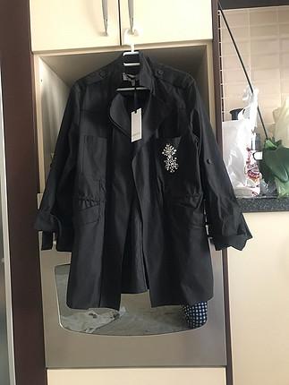 38 Beden İpekyol taş detaylı ceket