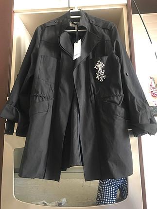 38 Beden siyah Renk İpekyol taş detaylı ceket