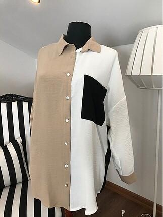 Siyah parçalı gömlek