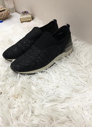 Tanca ayakkabı