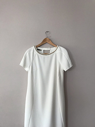 Beyaz şık elbise