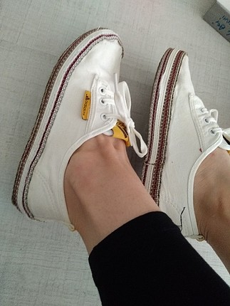 beyaz keten ayakkabı