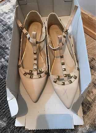 Ayakkabı düz