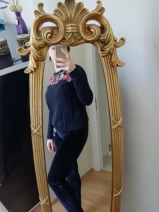 siyah çiçekli swetshirt