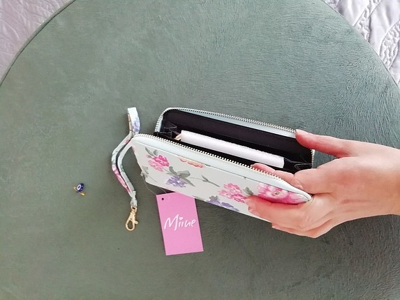 çiçekli cüzdan