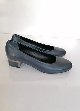 Yeni lacivert deri ayakkabı