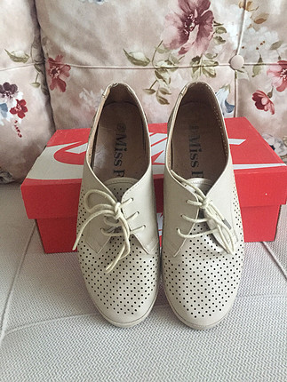 Flo ayakkabı