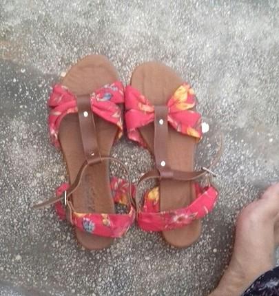 ilkbahara uygun sandalet