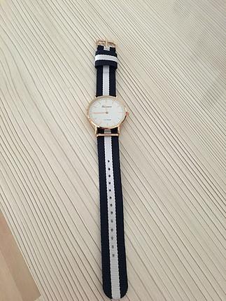 lacivert beyaz kordonlu saat