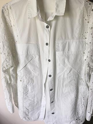 Güpürlü beyaz gömlek