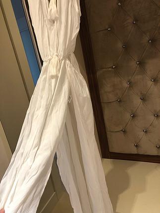 Ekru şifon yazlık yırtmaçlı elbise