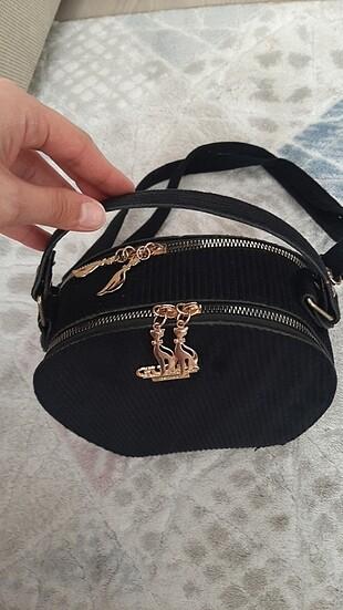 Guess Kol çantası