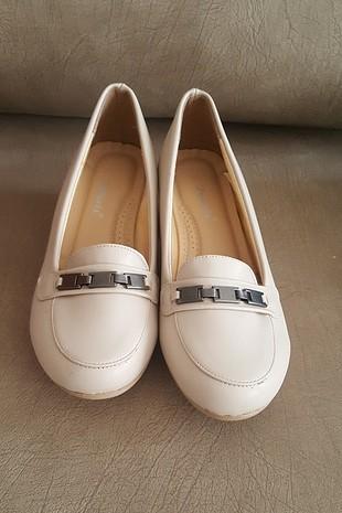 polaris 37 numara krem rengi topuklu ayakkabı