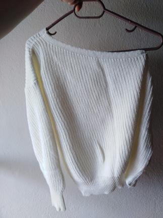 tek omuzlu beyaz kazak triko