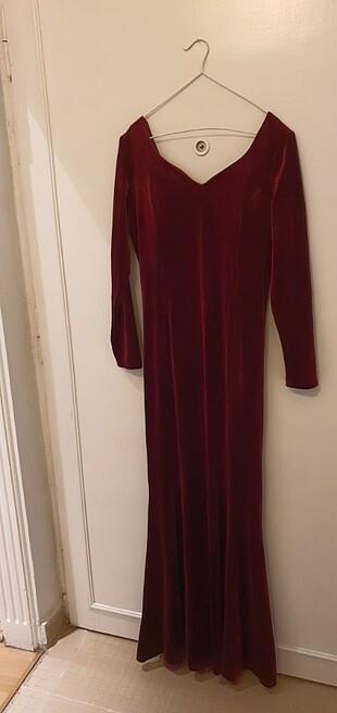 Kadife balık model gece elbisesi