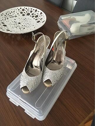 Beta beyaz taşlı ayakkabı