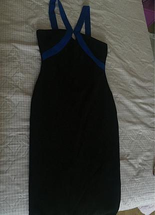 Mavi siyah abiye yırtmaç yaka detaylı arkası fermuarlı kalem mod