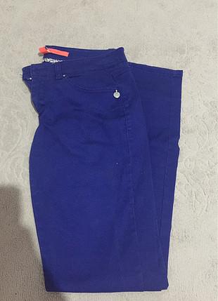 Mango normal bel mavi pantalon keten tarzıdır 34-36 uyumludur