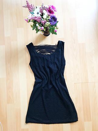 Siyah astarlı kısa elbise