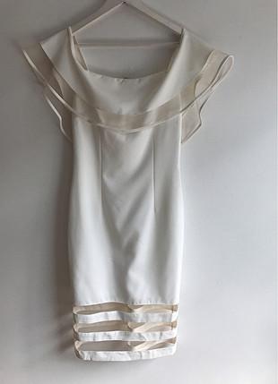 Tül Detaylı Elbise