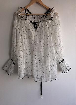 Puantiye desenli bluz