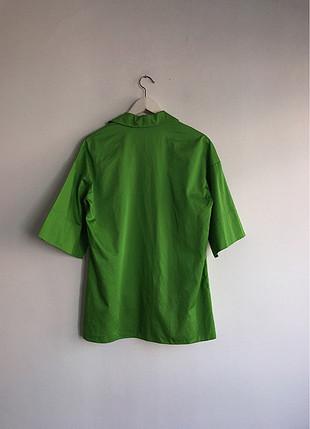Yeşil kısa kol gömlek