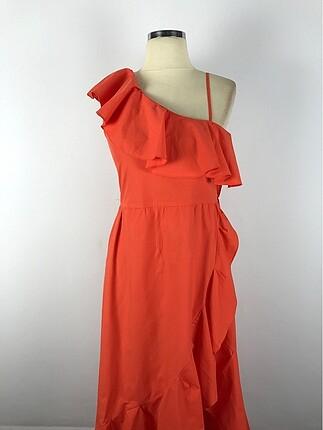 Tek omuz ince askılı elbise
