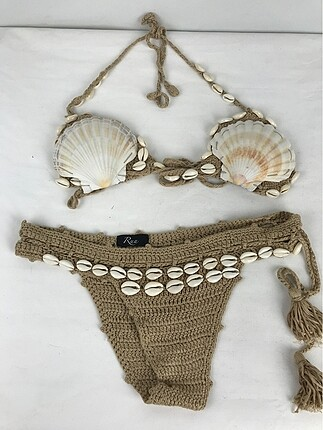 Deniz kabuklu bikini