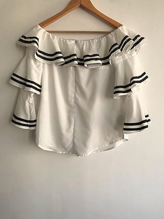 Geniş yaka bluz
