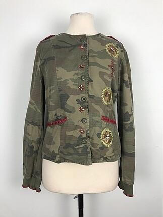 Asker kamuflajlı gömlek