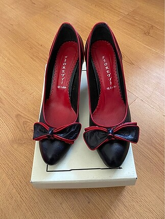 Rahat klasik topuklu ayakkabı?
