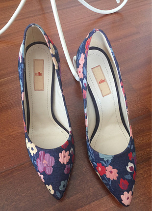 Kumaş ayakkabı